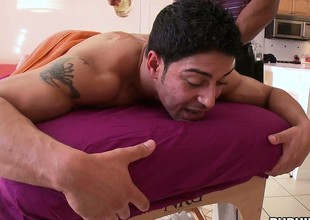 Latin gets a hot body massage from his dope-fiend tattooed masseur