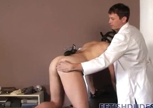 Doctor trains submissive to shrink from his tot
