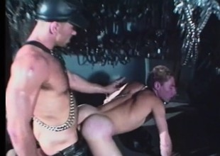 Leather fetish dudes be apropos the lap of luxury some violent anal exploration