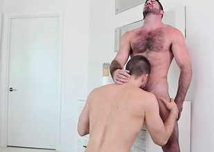 Daddy Jock (Billy Santoro) fucks Twink Jock (Kyle Kash) and