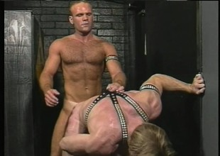 Butch anticipating dude gets inclination over to take some deep anal penetration