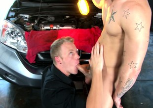 Now that this guy's car is fixed, he can thank hammer away wangle with a blowjob