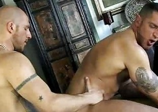 French gay dude got his dick blown by bald trestle
