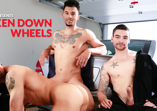 Johnny Torque & Silas O'Hara & Rocco Russo thither Broken Down Wheels XXX Video