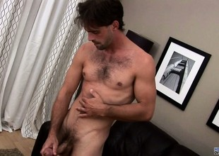Joe Parker finally gets naked and jerks his rod and caresses his ass