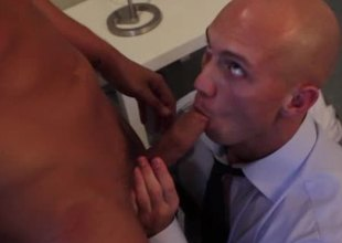 Gay office hunk is getting throatfucked overwrought his boss